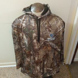 NWT TENNESSEE TITANS HOODED CAMO SWEATSHIRT